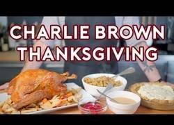 Enlace a Un plato de Charlie Brown. Listos para acción de gracias. [Inglés]