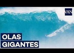 Enlace a Hipnótico: surfeando olas enormes en Hawaii