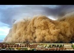 Enlace a Tormenta de arena se traga una ciudad en China