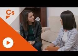 Enlace a Inés Arrimadas se convierte en gaditana en este video