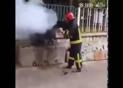 Enlace a Cómo usar cocacola para apagar un fuego