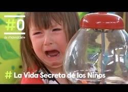 Enlace a La Vida Secreta de los Niños: Resistir la tentación de los caramelos | #0