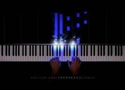 Enlace a Preludio en C mayor - Bach. Con estas luces parece fácil tocarlo