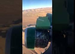 Enlace a La turbina del avión se está cayendo sobre la marcha.
