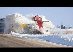 Enlace a Recopilación de encuentros entre trenes y la nieve