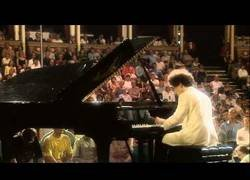 Enlace a Evgeny Kissin toca La Campanella en el Royal Albert Hall