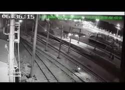 Enlace a Los trenes a la velocidad se estrellaron en Ankara