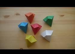 Enlace a Origami. Cómo hacer un diamante en papel (lección en video)