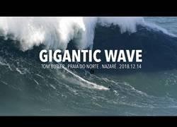 Enlace a Surfeando una ola de más de 30 metros