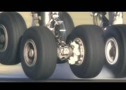 Enlace a Ruedas de un A380 tocando el suelo a cámara lenta