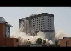 Enlace a Demolición de estructuras y edificios