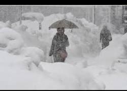 Enlace a Gran tormenta de nieve llega a Alemania, al menos no tendrán que ir al cole