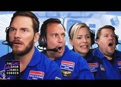 Enlace a James Corden lleva a Chris Pratt a un entrenamiento como astronauta en las instalaciones de la NASA