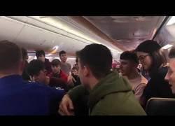 Enlace a La sesión de música de esta clase en pleno vuelo de Ryanair