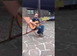 Enlace a La canción del MDMA