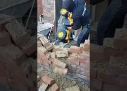 Enlace a Demostración de demolición de paredes