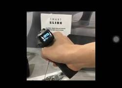 Enlace a Lo que faltaba: ya a la venta una pistola con LCD incorporada
