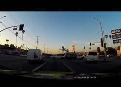Enlace a Este conductor ve el futuro y se anticipa al accidente que va a ocurrir en pocos segundos