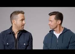 Enlace a Ryan Reinolds y Hugh Jackman se reconcilian en YouTube y deciden promocionarse mutuamente [Inglés]