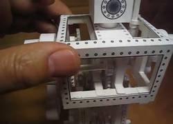 Enlace a El robot creado con papel