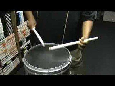 Se llama Isiah Rowser y es el mejor con el tambor de marcha