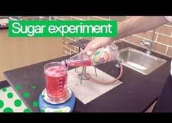 Enlace a Demostrando cuánto azúcar hay en un refresco