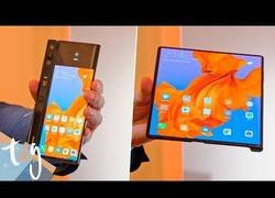 Enlace a El Huawei Mate X presentado en el Mobile World Congress que es plegable y todo el mundo está alucinando