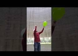 Enlace a El sonido de explotar un globo en una planta nuclear totalmente vacía