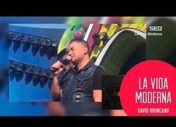 Enlace a En la vida moderna comentan el lamentable espectáculo del artista puertorriqueño Manny Manuel en el carnaval de Canarias