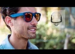 Enlace a Inventan unas gafas de sol para escuchar música sin auriculares