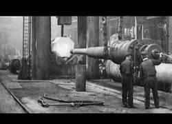 Enlace a Así se construía paso a paso los cañones navales usados en 1908