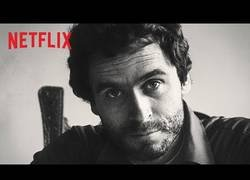 Enlace a Netflix presenta la serie documental de Ted Bundy, se estima que asesinó a más de 30 personas