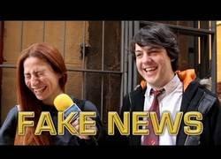 Enlace a Vengamonjas sale a la calle a poner a prueba a la gente para ver si sabe notar la diferencia entre noticias falsas y reales