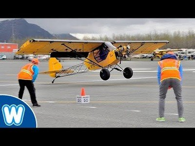 La competición de despegar y aterrizar en el menor espacio de tiempo y espacio posible