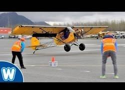 Enlace a La competición de despegar y aterrizar en el menor espacio de tiempo y espacio posible