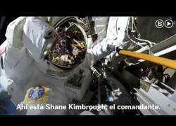 Enlace a Un paseo espacial en primera persona