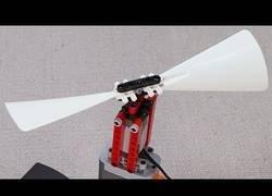 Enlace a Montando un mecanismo de LEGO capaz de volar