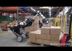 Enlace a Boston Dynamics presenta su robot capaz de cargar cajas en palets