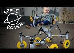 Enlace a La super silla de transporte que ha construido este padre para su hijo