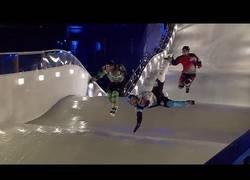 Enlace a Los mejores tortazos de carreras sobre hielo en patines