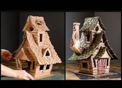 Enlace a Construyendo una alucinante casa de brujas de cartón