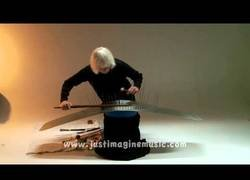 Enlace a El instrumento usado para ambientar las películas de terror