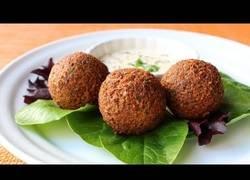 Enlace a Cocinando un rico Falafel