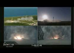 Enlace a El despegue de los tres propulsores del Falcon Heavy a tierra