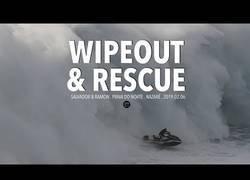 Enlace a El espectacular rescate a este surfista entre las olas de Nazaré (Portugal)