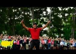 Enlace a El último golpe ganador de Tiger Woods para ganar en el Masters de Augusta