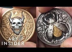 Enlace a Artista ruso ha creado estas monedas únicas con secretos increíbles en su interior