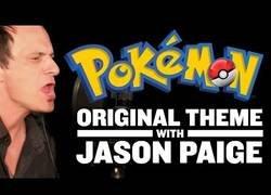 Enlace a Dentro del estudio con Jason Paige, el cantante original del tema principal de Pokémon
