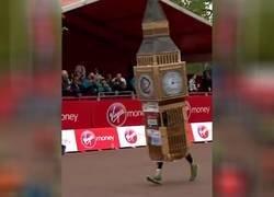 Enlace a El Big Ben logra ser el primer campeón como edificio en la Maratón de Londres
