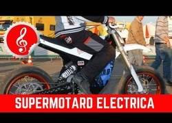 Enlace a Increíble lo que puede hacer una motocicleta eléctrica